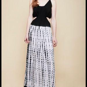 EARTHBOUND TRADING COMPANY size small maxi dress